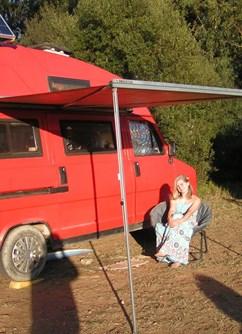 Rok na cestách karavanem po Evropě (Naděžda Tumpachová)- Praha -Kavárna dobrodruha, Seifertova 4, Praha