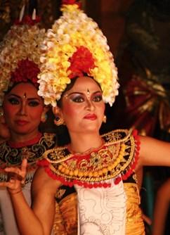 ONLINE: Bali a Sulawesi (Milada Řeháková) - Praha -Kolem Světa ONLINE, stream, Praha