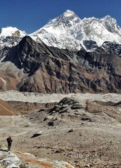 ONLINE: Nepál, hory a život Šerpů (Dominika Kobzová) -Kolem Světa, stream, Online