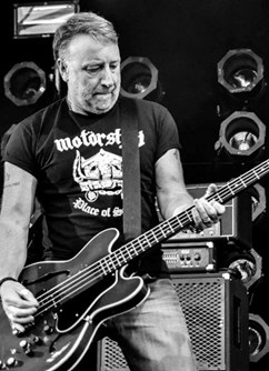 Peter Hook and The Light (GB)