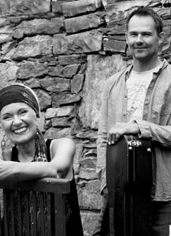 Irena Budweiserová a Jakub Racek
