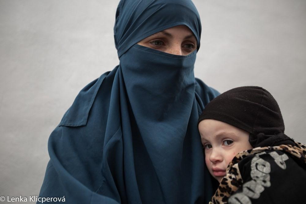 ONLINE: Královny chálífátu aneb osudy manželek teroristů