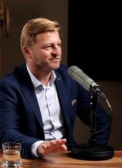 Marek Hatlapatka, moderuje Radovan Vávra